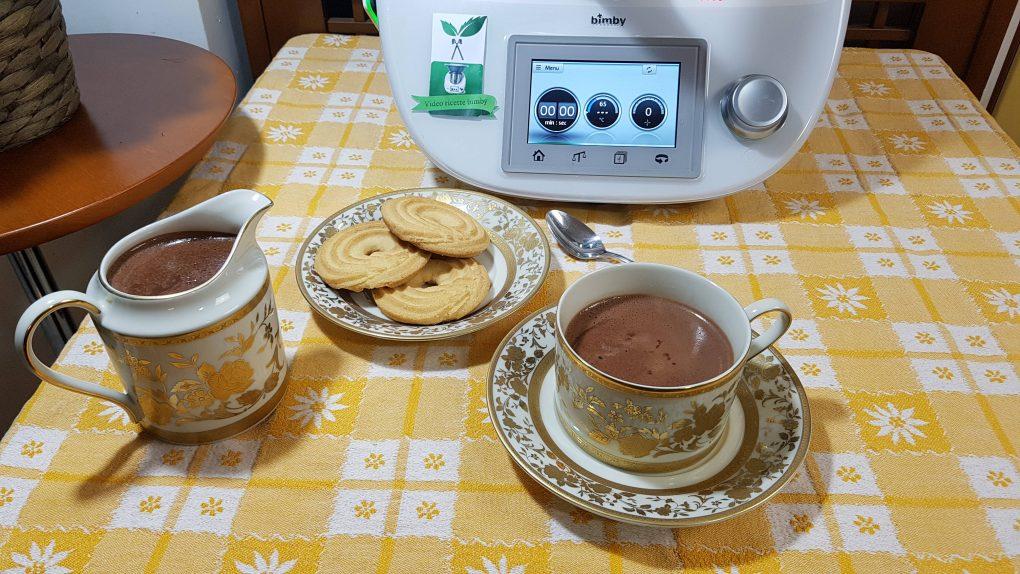 Cioccolata calda aromatizzata alla vaniglia