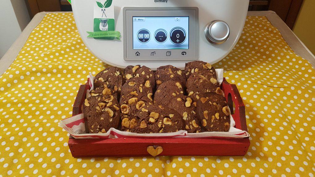 Biscotti di frolla con cacao e nocciole bimby per TM5 e TM31
