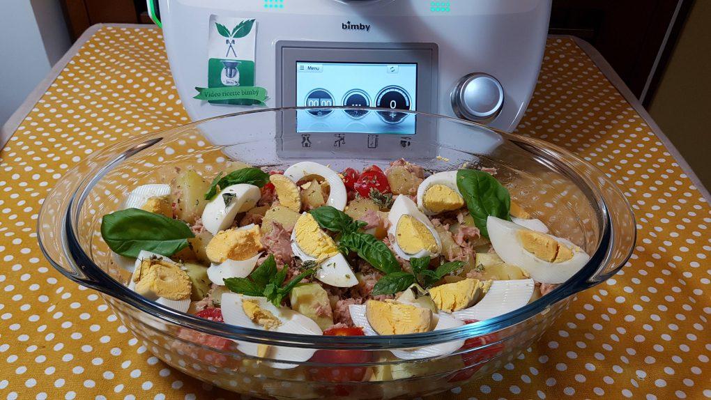 Insalata di tonno uova patate e zucchine