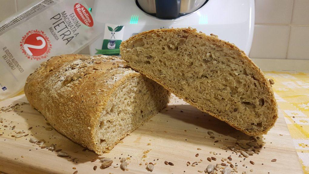 Pane ai semi con farina di tipo 2