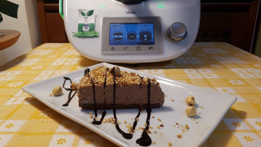 Cheesecake gelato alla nutella e nocciole