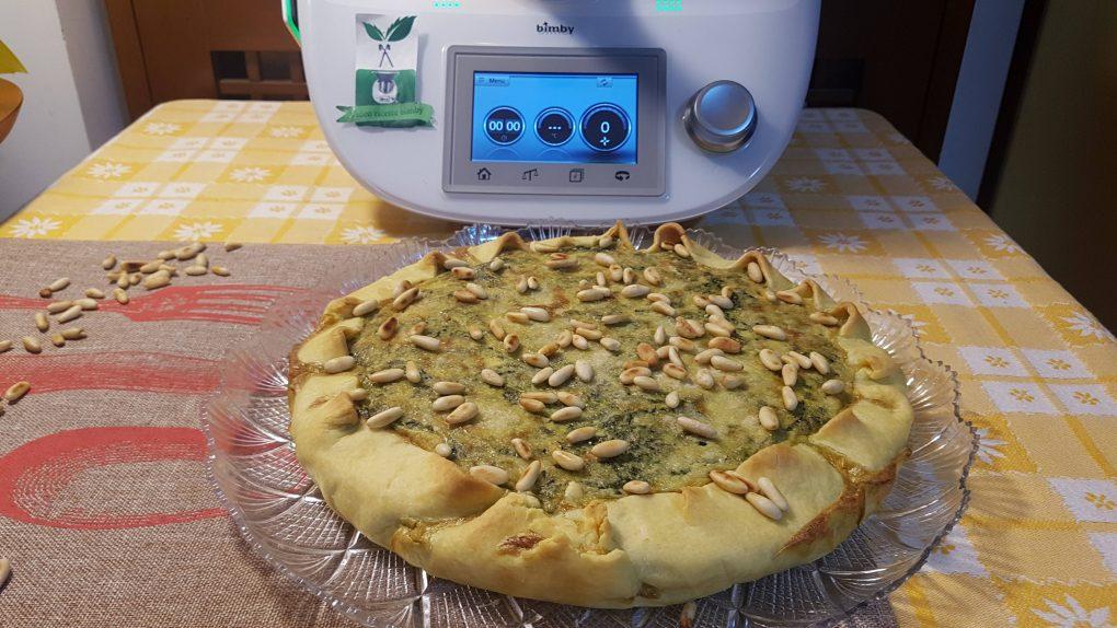 Torta salata con spinaci e pancetta