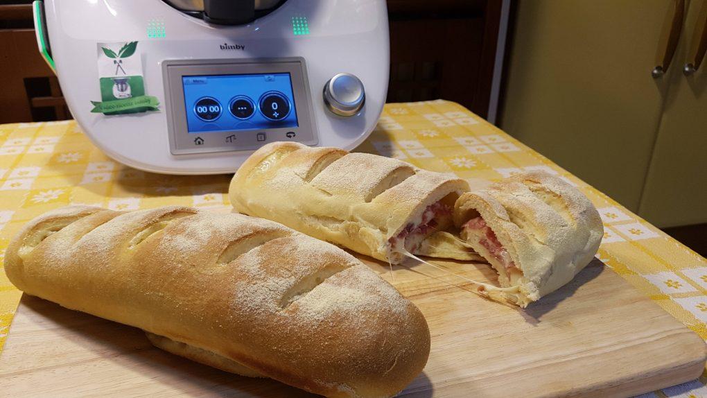 Filoncini di pane ripieni