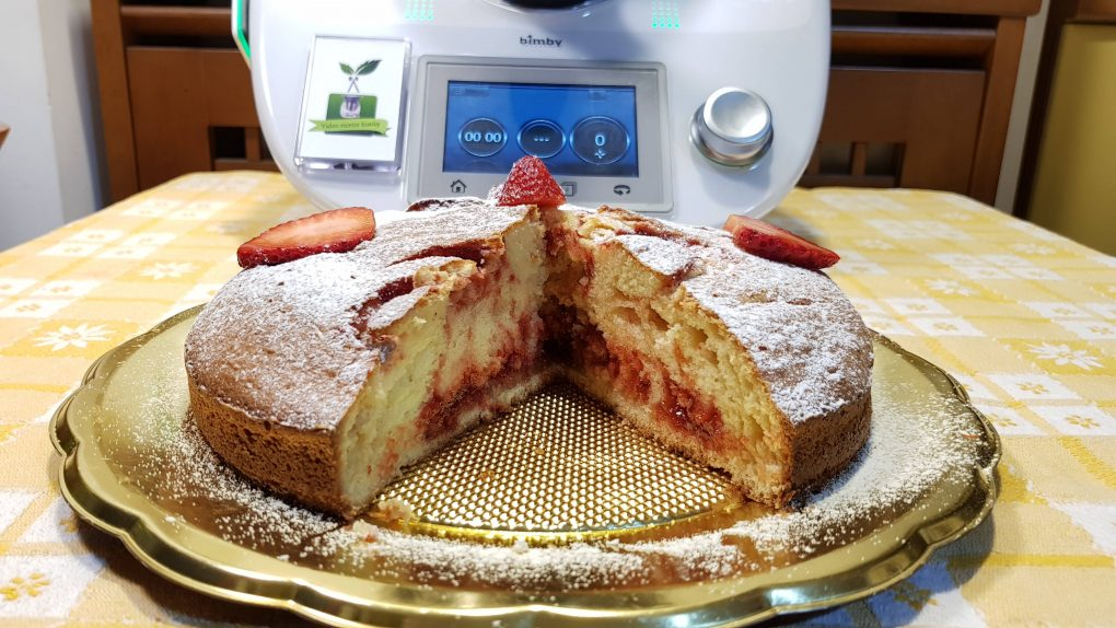 Torta al mascarpone e marmellata di fragole