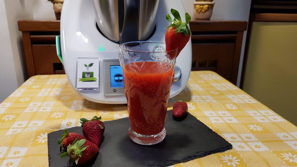 Succo di frutta alle fragole