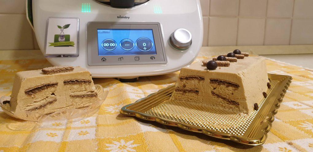 Semifreddo al caffè con wafer
