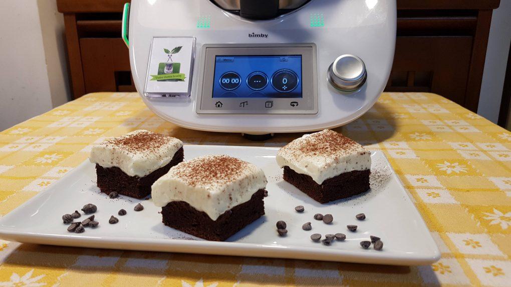 Torta al cioccolato fondente con crema al mascarpone