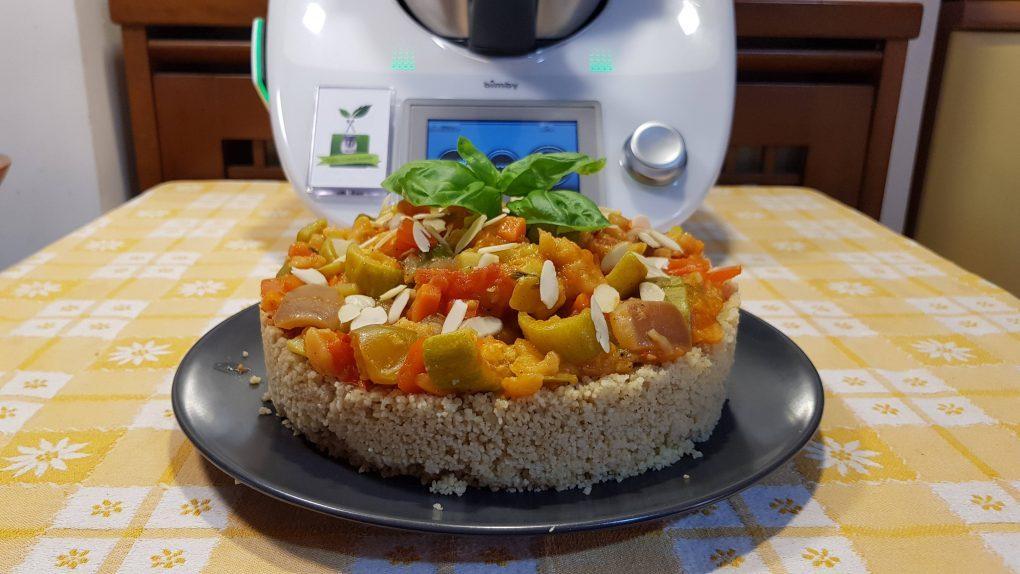Torta di cous cous integrale con verdure