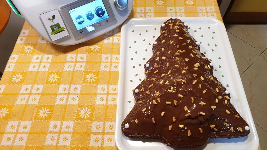 Torta alberello al cacao con glassa al cioccolato