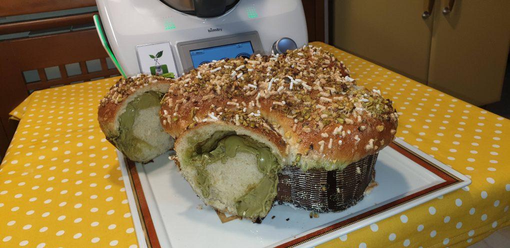 Colomba di pan brioche al pistacchio
