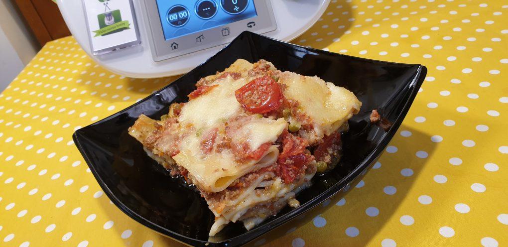 Pasta al forno con ragù di pomodori freschi