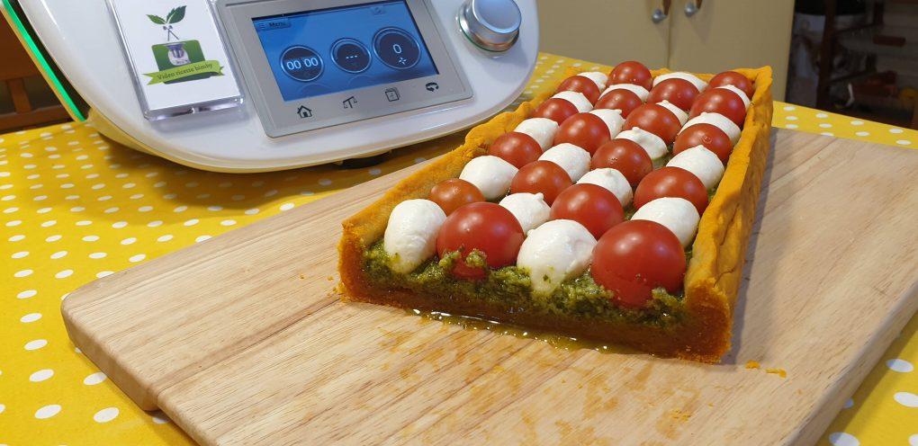Crostata pesto pomodorini e mozzarella
