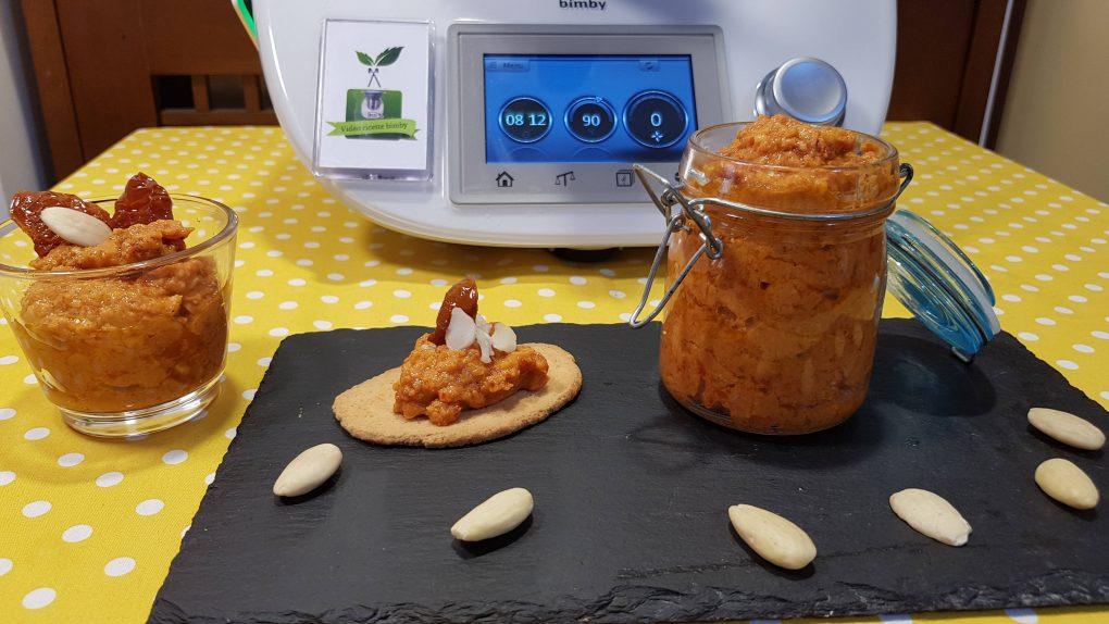 Pesto di pomodori secchi e mandorle