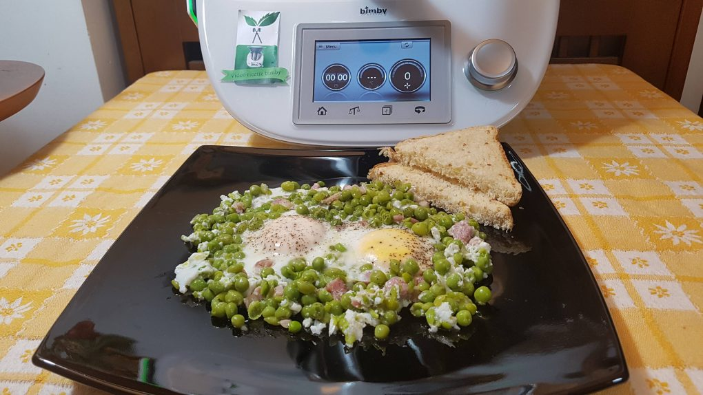 Uova e piselli cotti a varoma