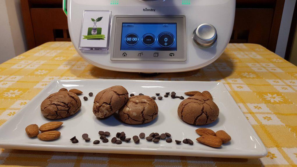 Biscotti al burro di mandorle e gocce di cioccolato