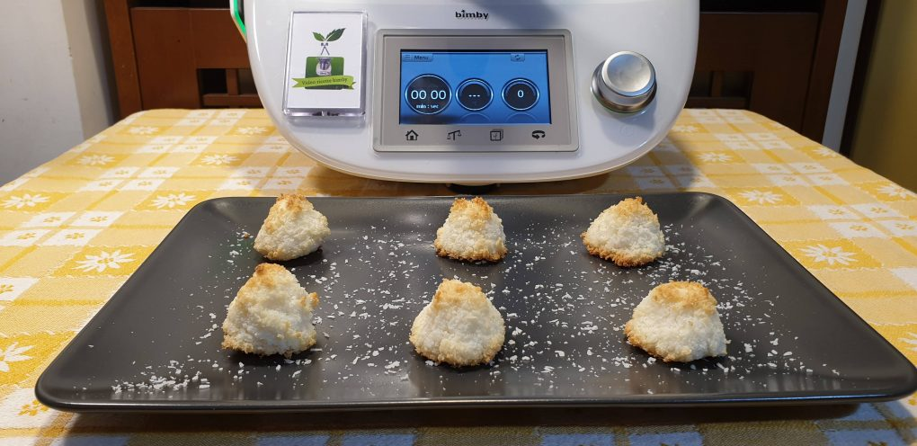 Biscotti al cocco preparati con il bimby
