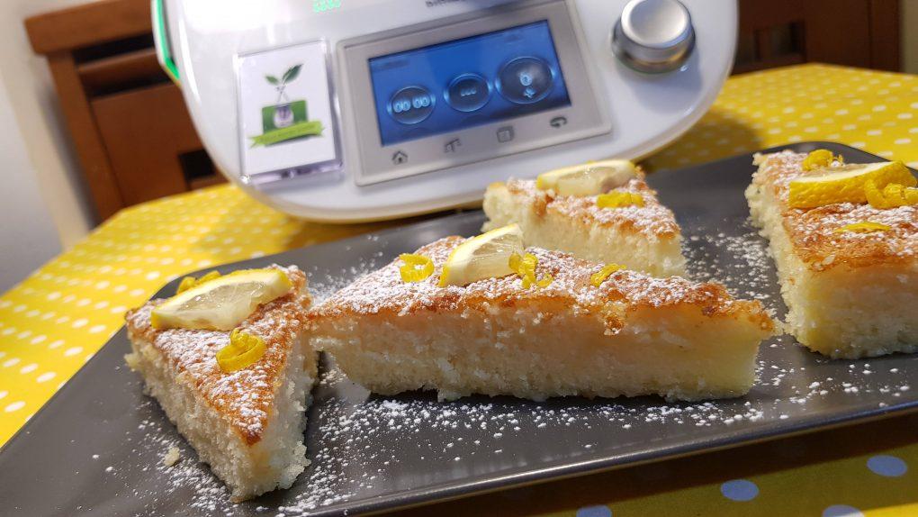 Torta cremosa al limone e cioccolato bianco