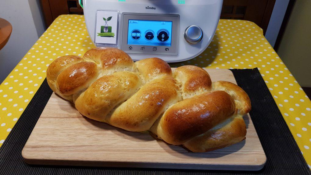 Treccia di pane al latte