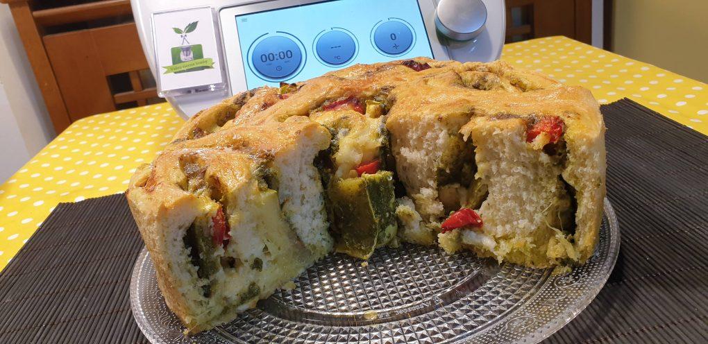 Torta di rose con verdure e pesto